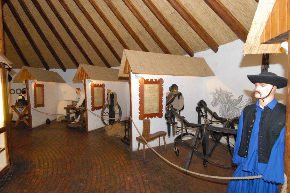 Körszín kézműves kiállítás_11.11.22_N11_6788_1_Lisztes László_resize_resize