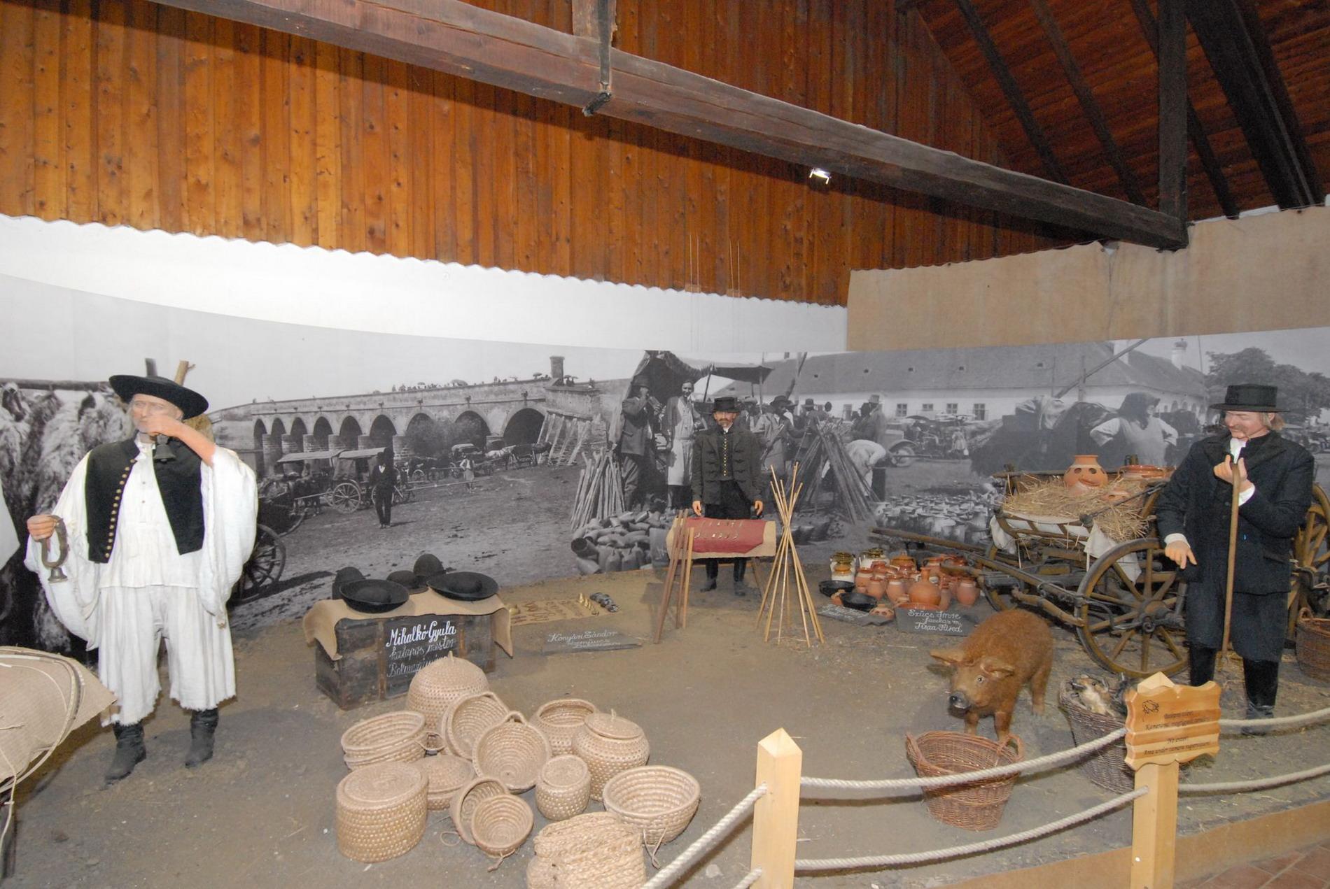 Pásztormúzeum dioráma kiállítás_11.11.22_N11_6782_1_Lisztes László_resize